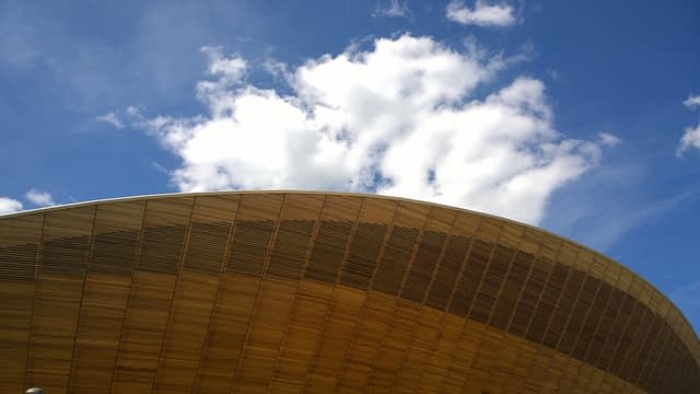 Lee-Valley-VeloPark-Roof and clouds