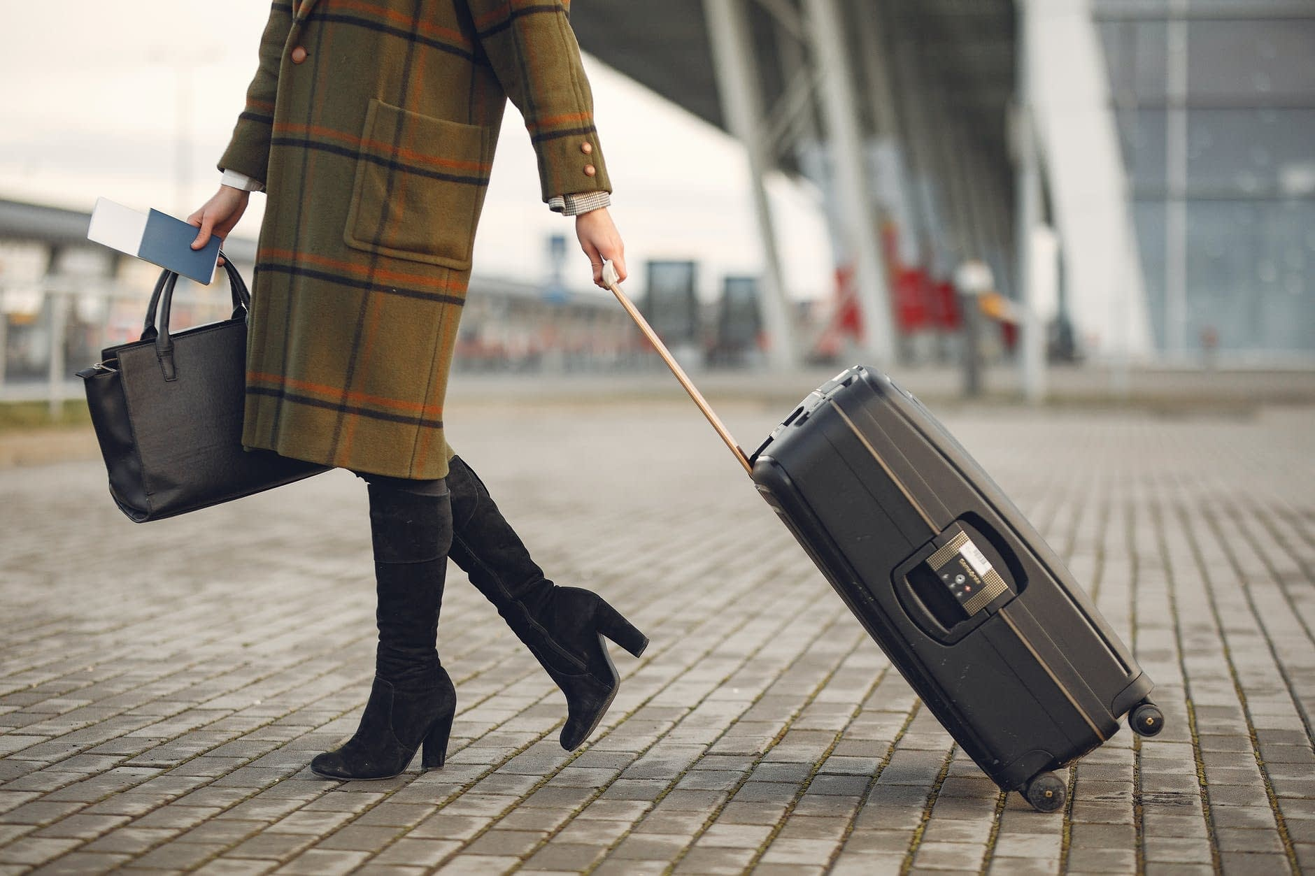 Duffel versus Rolling Luggage: Best Luggage for Summer Travel 1