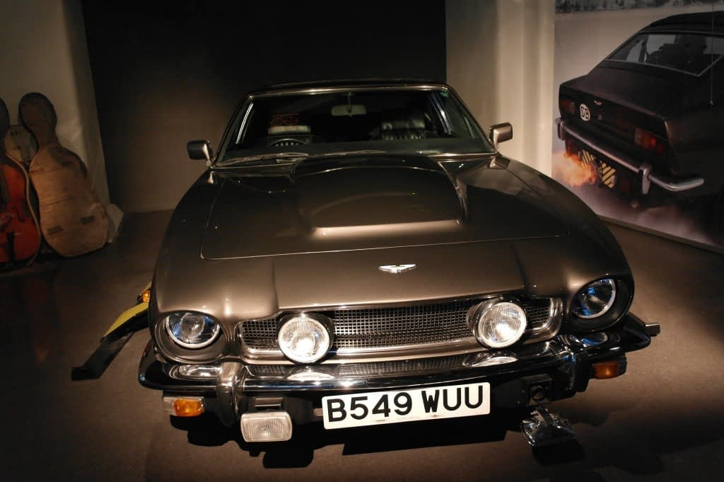 Aston Martin V8 and Cello Case Sled – The Living Daylights