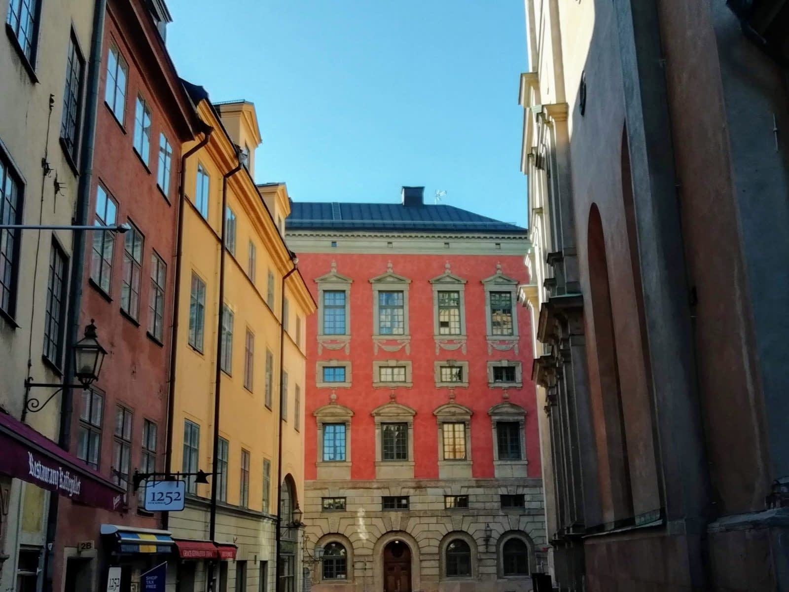 Colourful Houses & Narrow Streets of Gamla Stan, Stockholm 4