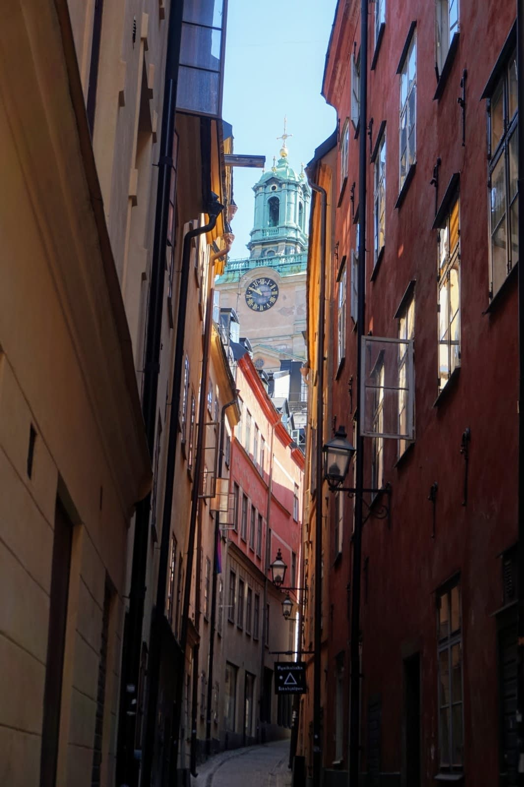 Colourful Houses & Narrow Streets of Gamla Stan, Stockholm 12